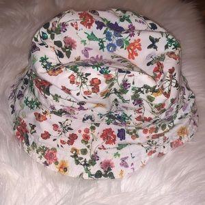 Liz Claiborne butterfly bucket hat